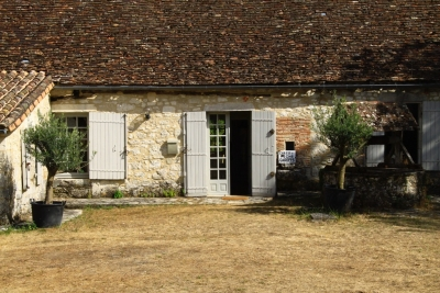 Attractive 18th century cottage with swimming pool, outbuildings and large garden