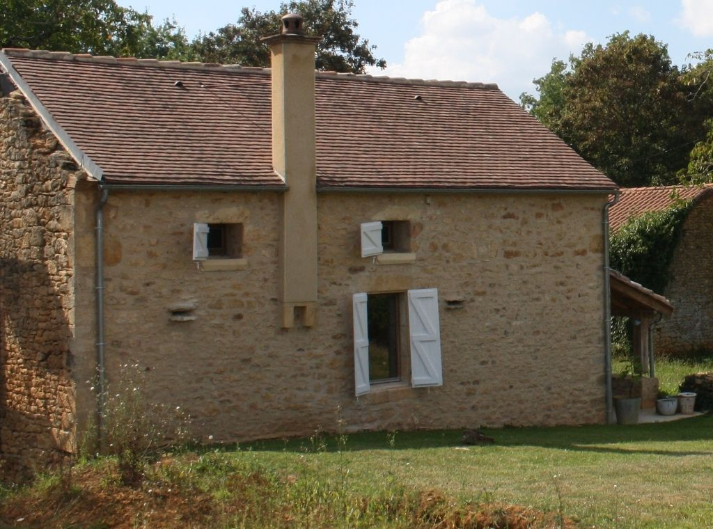 Beautifully restored cottage with 2.5ha
