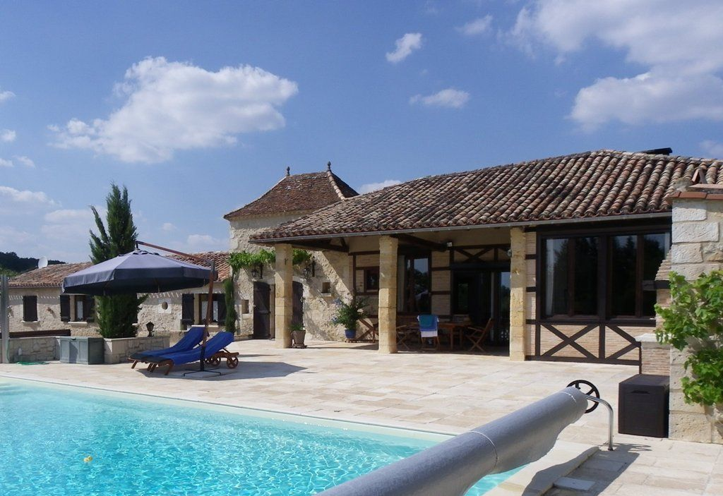 Restored 19th century farmhouse with guest cottage and swimming pool