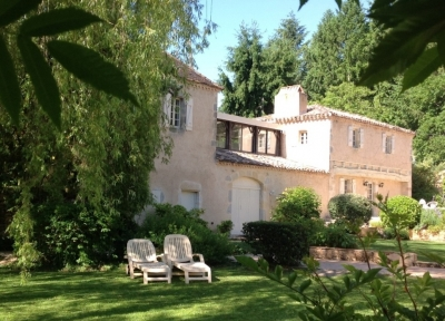 Restored 18th century manoir with guest cottage and heated swimming pool