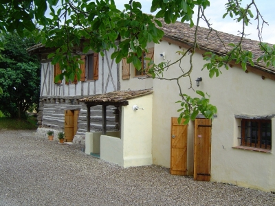 Sympathetically restored 16th century farmhouse with gite and swimming pool