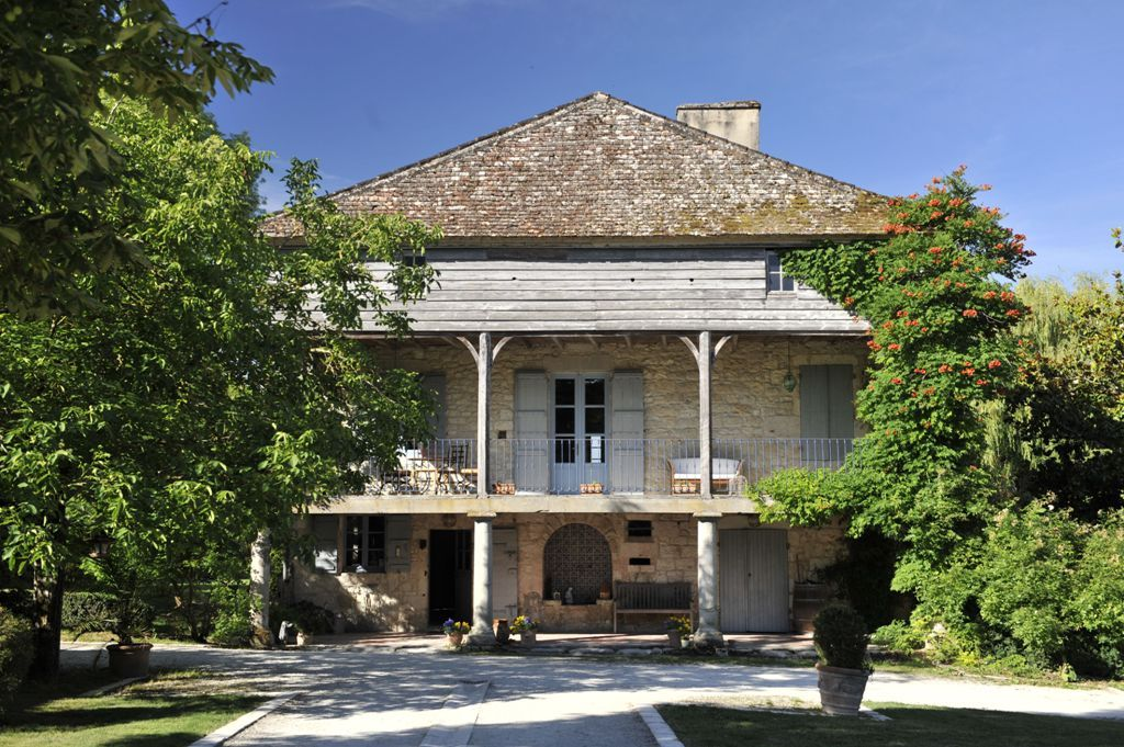 Moulin du XVIIème siècle magnifiquement restauré, avec piscine et 20 ha