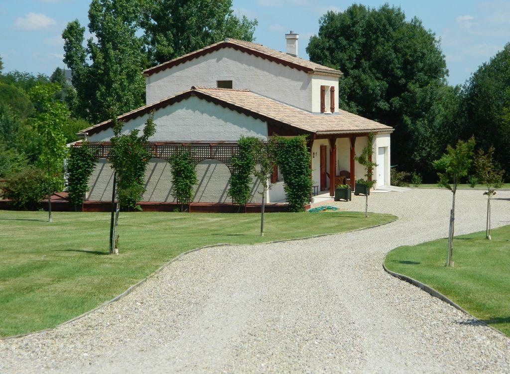 Maison moderne de 4 chambres avec un grand jardin la porte property agence immobiliere dordogne - Jardin maison moderne ...