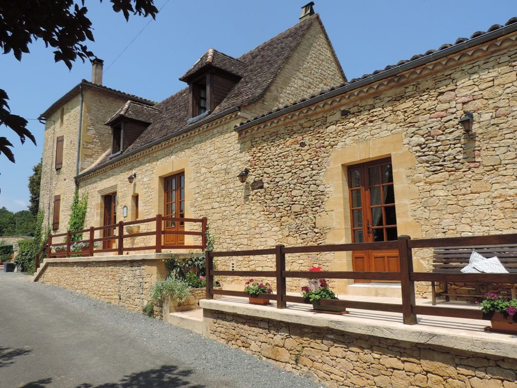 Attractive chambres d'hotes with swimming pool