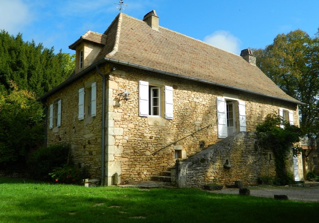 19th century country house with guest cottage and 1.4ha