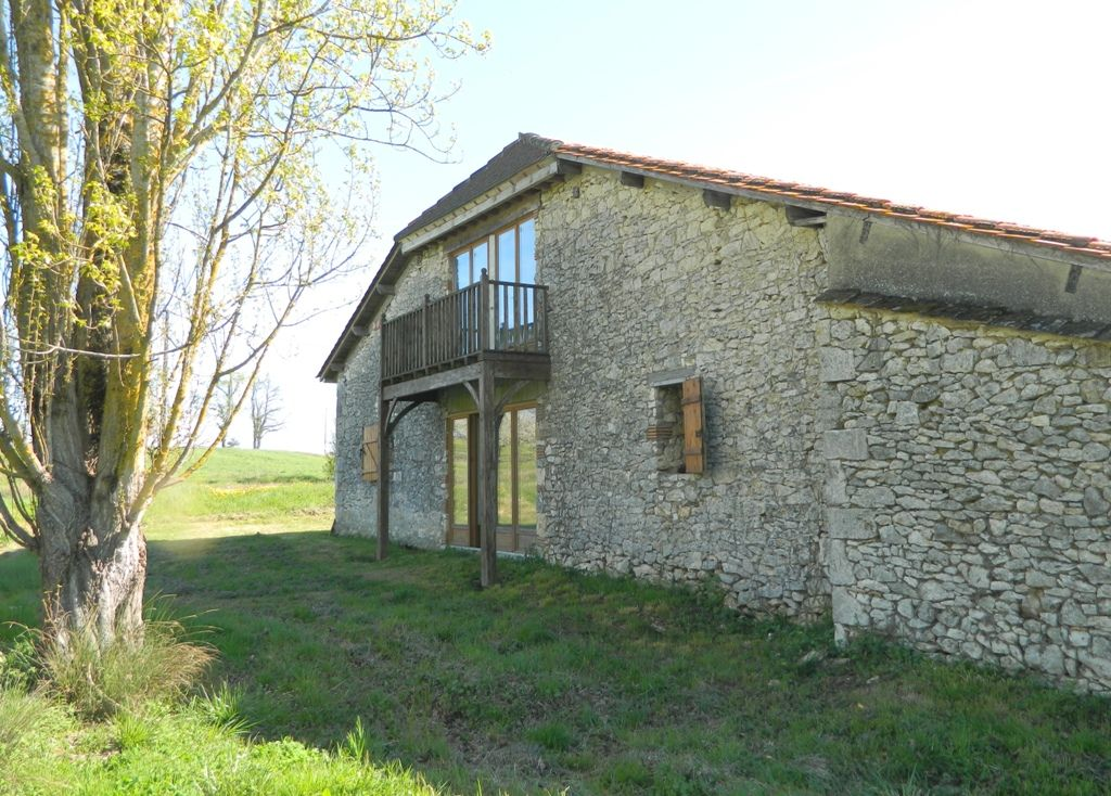Substantial part converted barn with pigeonnier and 1.25ha