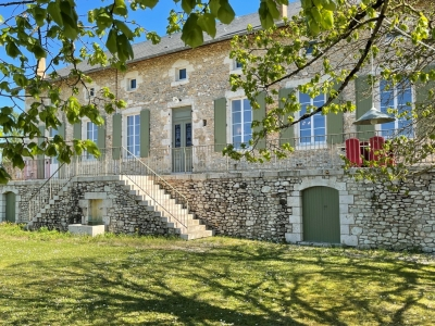 Superbly restored manoir with swimming pool and 2ha
