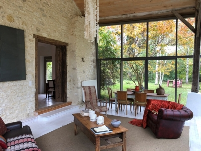 Sympathetically restored farmhouse with separate guest studio and large wooded garden