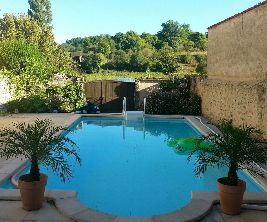 Exceptional 17th century village house with swimming pool