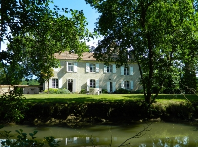 Substantial 14th century manoir with swimming pool and 4.5ha