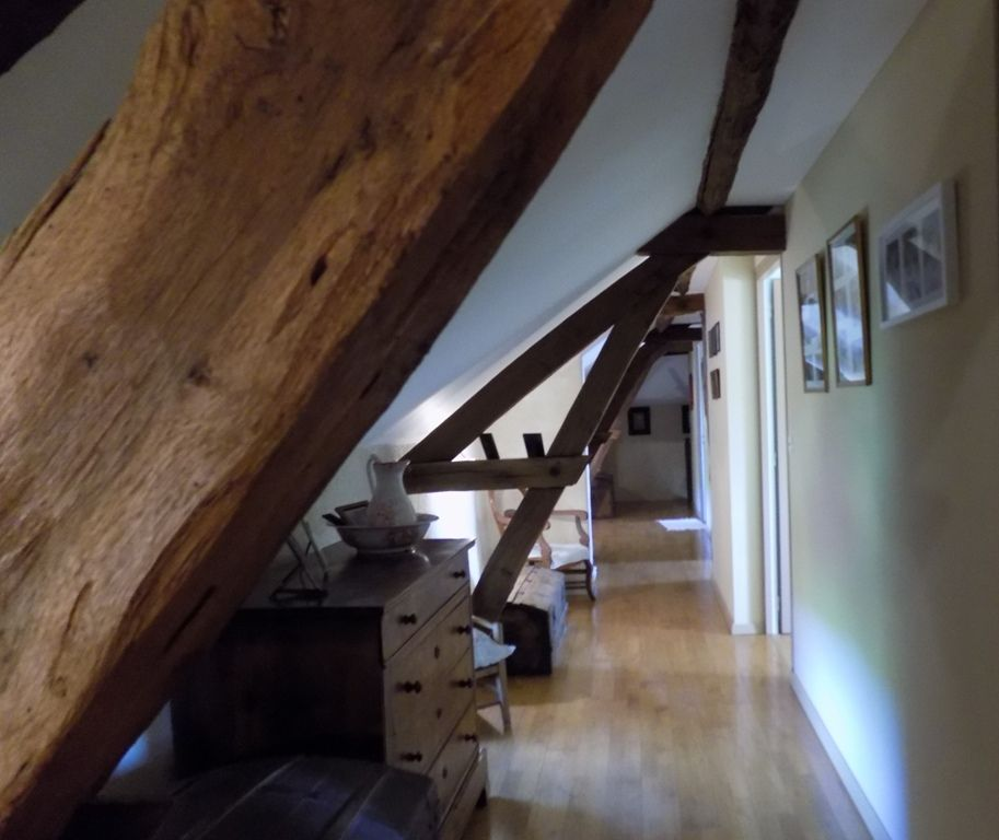 Restored 17th century farmhouse with guest cottage and 13ha