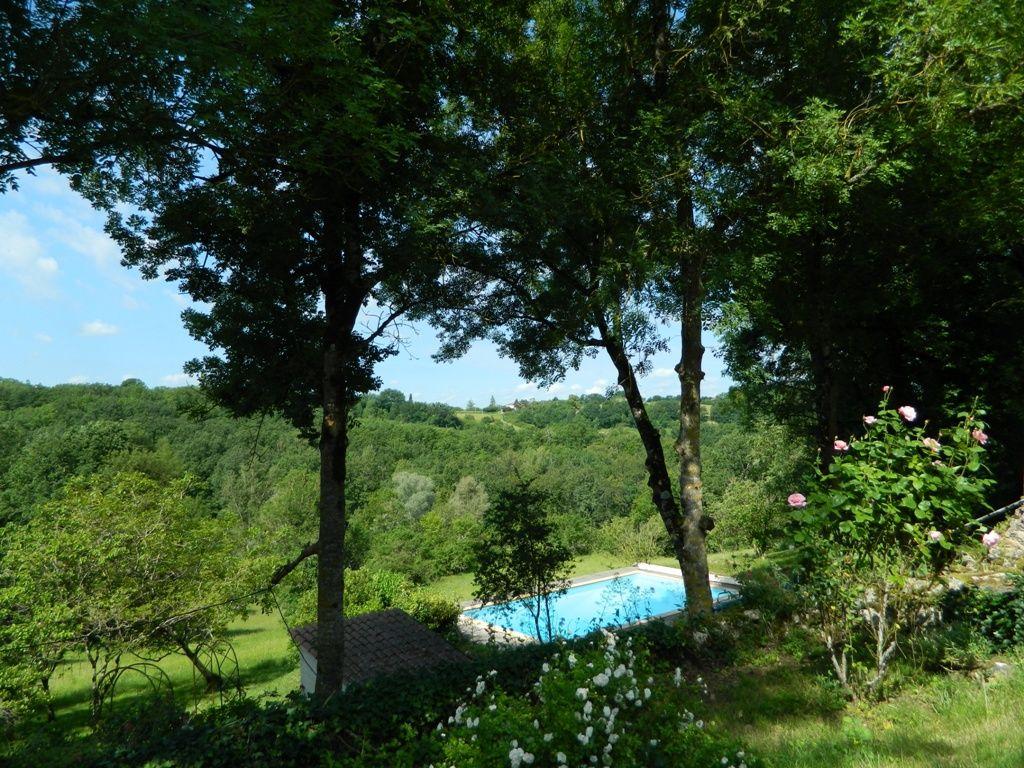 Belle maison de village avec une piscine et un jardin la porte property agence immobiliere - Maison avec un jardin tourcoing ...