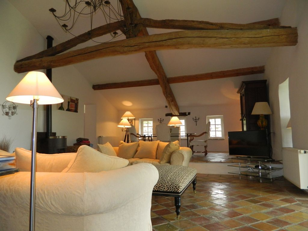 Superb 19th century restored farmhouse with swimming pool