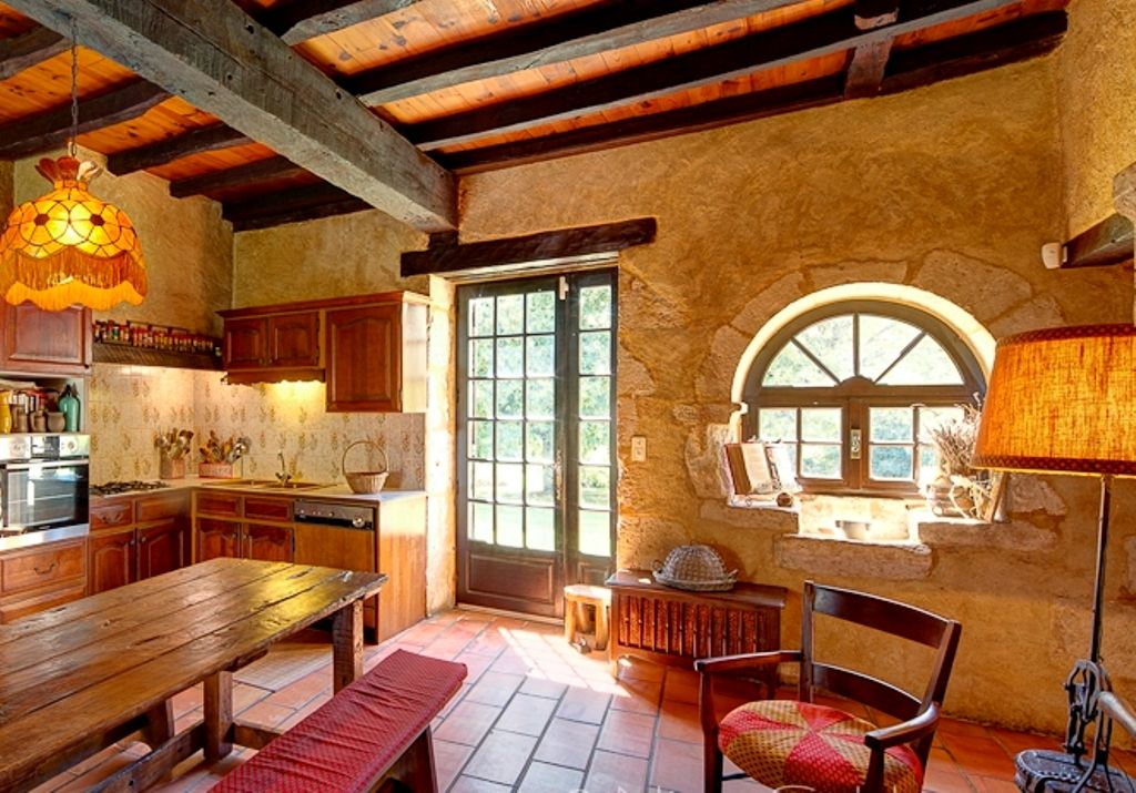 Restored 18th Century Farmhouse With Vineyard Guest Cottage And 10ha