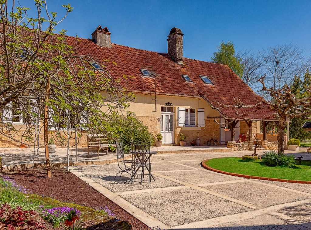 Attractive gite complex with swimming pool and garden