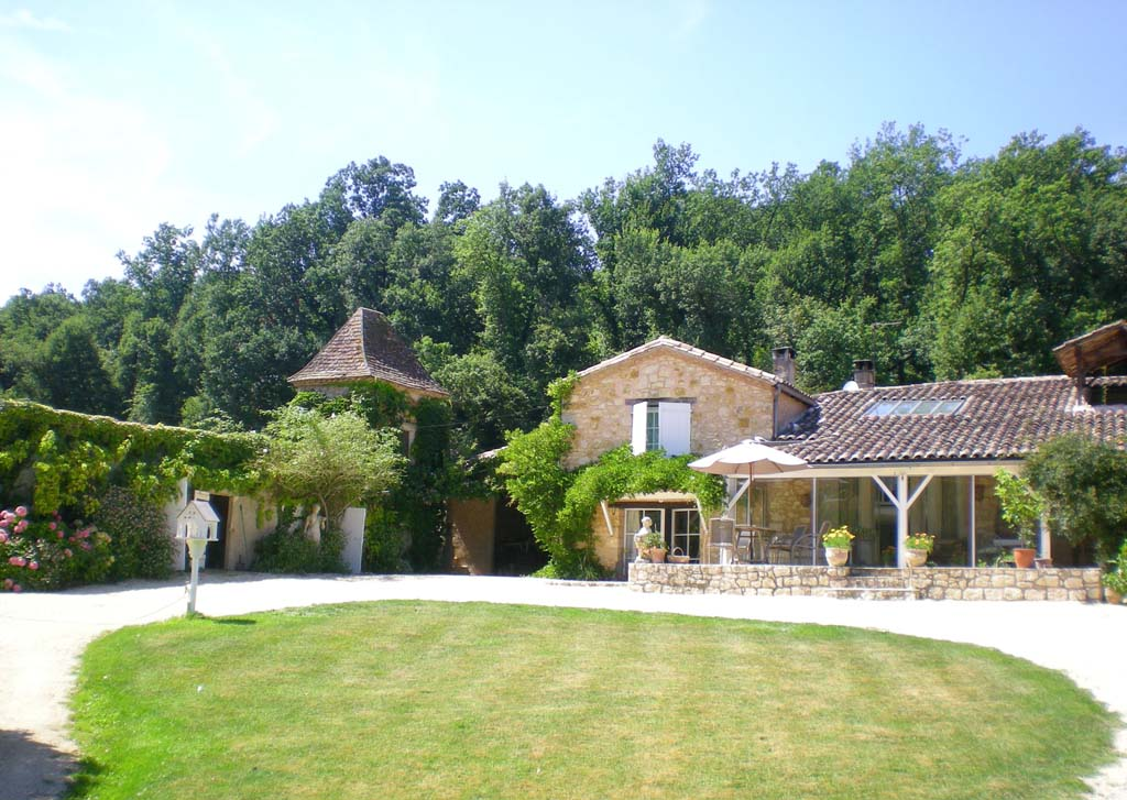 Beautifully restored country home with 4.25ha