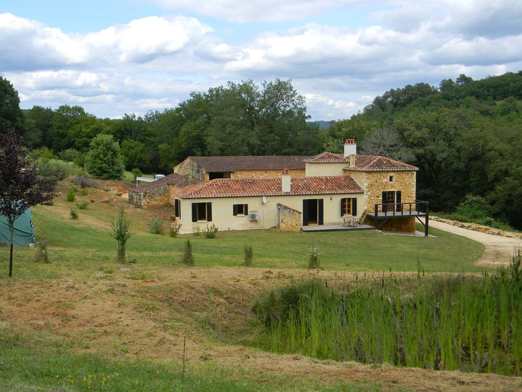 Restored Farmhouse with swimming pool and 8ha
