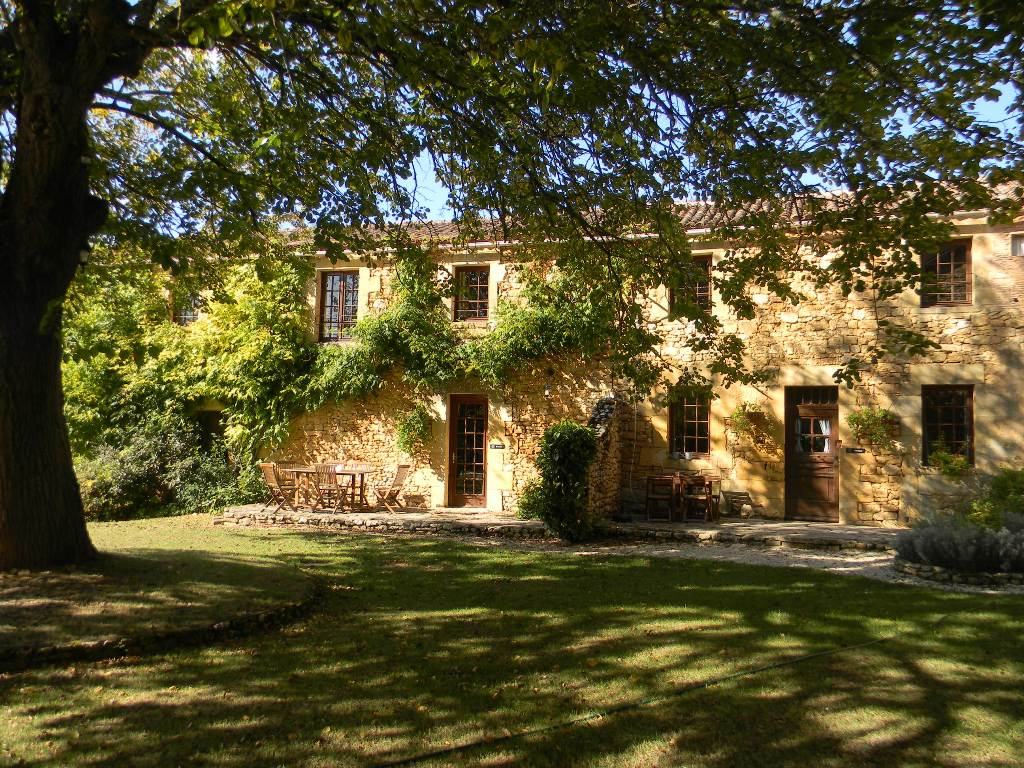 Beautiful 17th century Maison de Maitre with guest accommodation