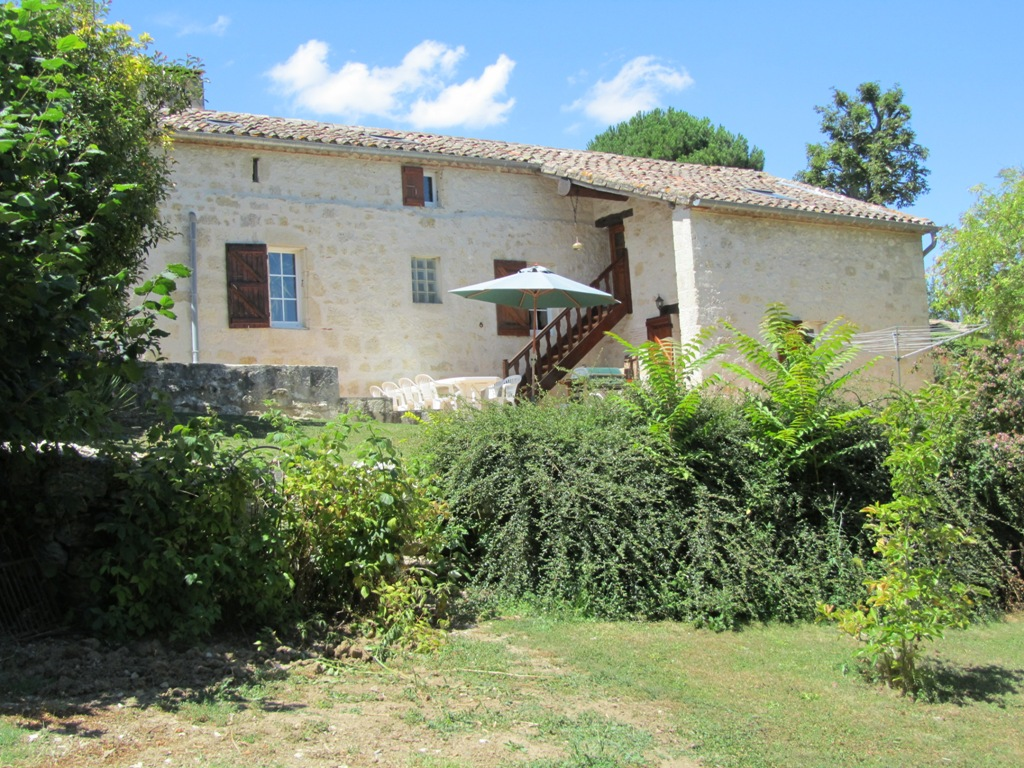 Beautifully restored farmhouse with gite and equestrian facilities
